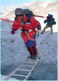 Tamae Watanabe climbs Mt. Everest successfully at age 63. Photo: http://news.bbc.co.uk